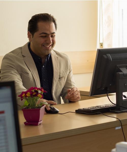 شاهین حسینی